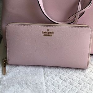 Kate Spade New York Zip Around Wallet